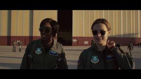 Capitana Marvel Escena 'En las nubes' HD