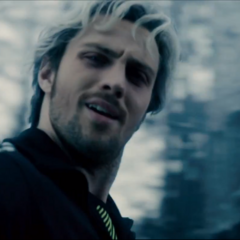 Pietro burlándose de Barton.