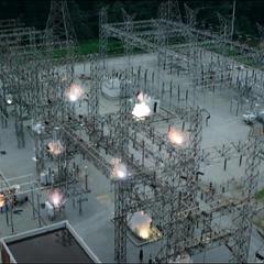 La central eléctrica es destruida.