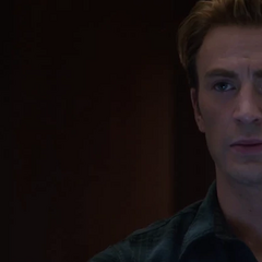 Rogers discute sobre el plan para emboscar a Thanos.