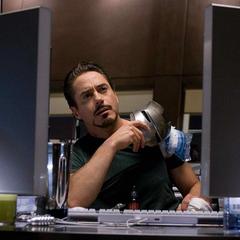 Stark se entera de un evento por las noticias.