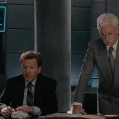 Stark conversa con Carson acerca de Pym.