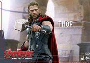 Thor AOU Hot Toys 2