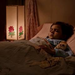 Cassandra dormida antes de ser visitada por Scott.