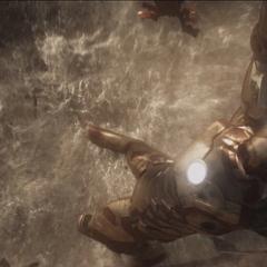 Stark a punto de caer al océano.