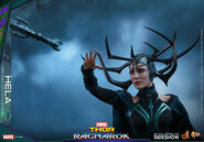 Marvel-thor-ragnarok-hela-sixth-scale-hot-toys-903107-23