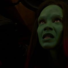 Gamora escapa de Nebula.
