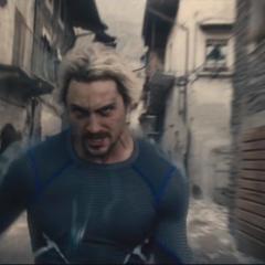 Pietro recorre la ciudad en busca de más Centinelas de Ultrón.