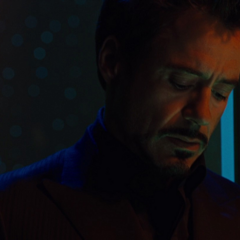 Stark viendo el estado de su envenenamiento del paladio.