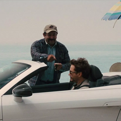 Stark en su camino a la sede de Industrias Stark.