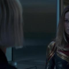 Romanoff se cruza con Danvers.