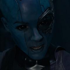 Nebula se asocia con Ronan para destruir Xandar y eliminar a Thanos.
