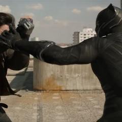 T'Challa confronta a Barnes.