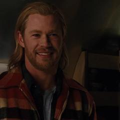 Thor en la camioneta de Foster.
