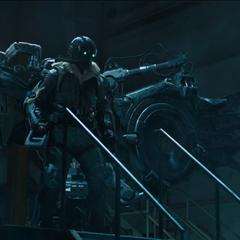 Toomes vuelve a su guarida tras robar tecnología Chitauri.