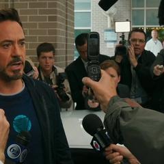 Stark lanza una amenaza contra el Mandarín.