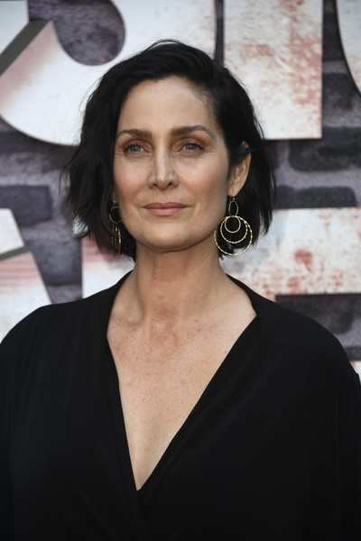 Carrie-Anne Moss Nude Photos 3