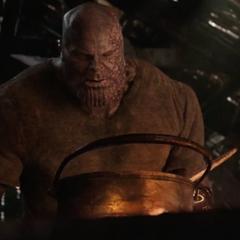 Thanos se prepara un guiso.