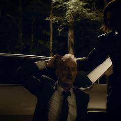 Stark es asesinado por Barnes.
