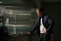 Captain-america-the-winter-soldier-chris-evans-window
