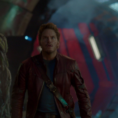 Groot ve a las fuerzas de Ronan y los Devastadores llegar a Knowhere.