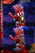 Nano Gauntlet Hot Toys 22