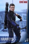 Hawkeye Civil War Hot Toys 13
