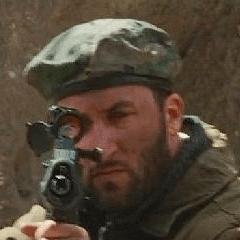 Jon Braver como Combatiente afgano