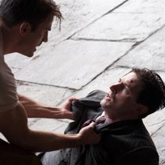 Rogers captura al asesino de Erskine.