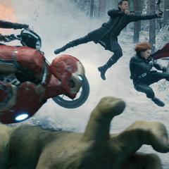 Los Vengadores atacando la base del Barón Strucker.