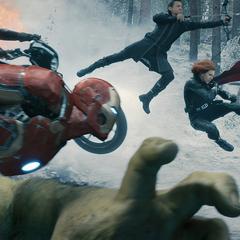 Hulk y los Vengadores luchando contra HYDRA.