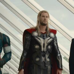 Rogers, Stark y Thor exploran el Centro de los Nuevos Vengadores.
