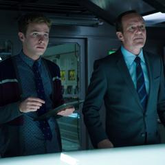 Fitz y Coulson encuentran a Amador.