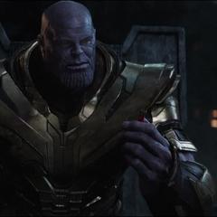 Thanos decide usar las Partículas Pym para viajar al año 2023.