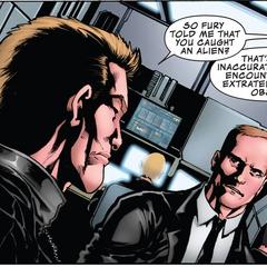 Barton se informa del objeto alienígena.