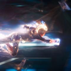 Danvers destruye una nave de los Acusadores.