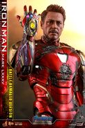 I am Iron Man Hot Toys 11