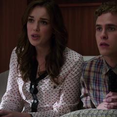 Fitz y Simmons aprenden del secuestro de Hall.
