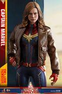 Captain Marvel Hot Toys 3