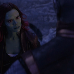 Gamora se burla de Thanos por su