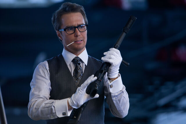 File:Justin Hammer with gun.jpg