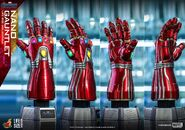 Nano Gauntlet Hot Toys 8
