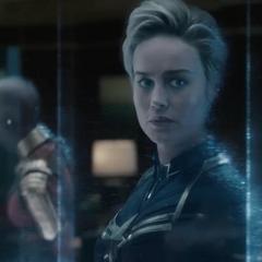 Danvers se despide de los Vengadores.