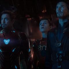 Stark, Parker y Strange en camino hacia titán.