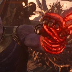 Thanos es atrapado con una atadura de Strange.