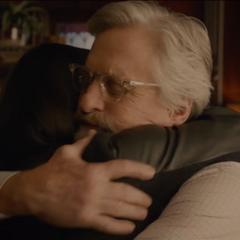 Pym se reconcilia con Hope van Dyne.