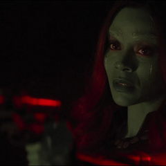 Gamora trata de persuadir a Nebula de 2014.