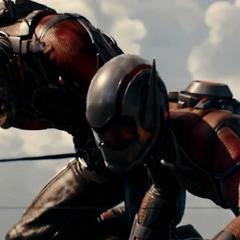 Pym y Janet desesperados por detener el misil.