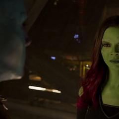 Gamora se disculpa con Nebula por los errores que cometió en el pasado.