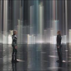 La Inteligencia Suprema recibe a Danvers en su dimensión.